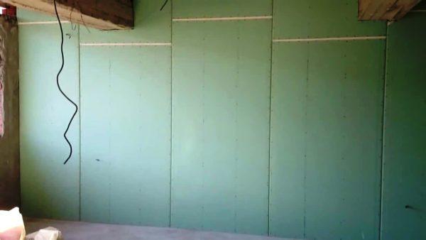 Гипсокартон отлично подходит для выравнивания стен