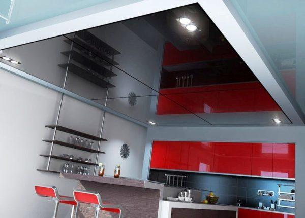 Такой потолок на кухне в стиле хай-тек хорош тем, что в него можно незаметно скрыть коммуникации