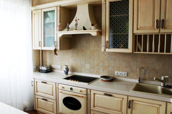 Прованс делает акцент на совмещении современности и романтики, что легко можно реализовать на кухне площадью 6 м кв.