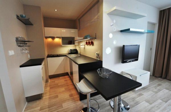 Если мебель для кухни изготавливать на заказ, то можно подобрать любой размер и конфигурацию