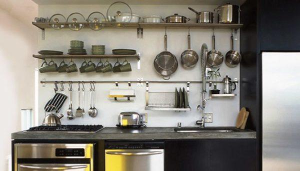 Вот такой интересный лайфхак в дизайне малогабаритной кухни во французском стиле