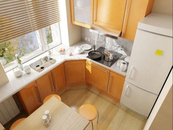 Дизайн тесной кухни с холодильником в квартире хрущевке