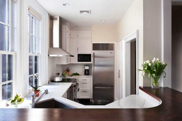 Для нестандартной кухни мебель лучше делать на заказ