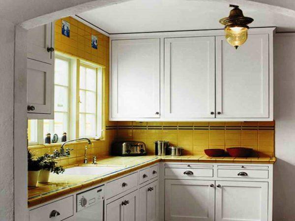 Недорогой дизайн маленькой кухни