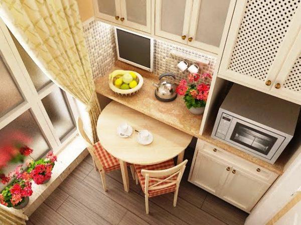 Не расстраивайтесь, если ваша кухня очень маленькая, и имеет площадь всего лишь 5 кв. м, даже такую ситуацию можно использовать в свою пользу при дизайне помещения