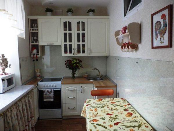 Мебель для маленькой кухни 5 кв. м