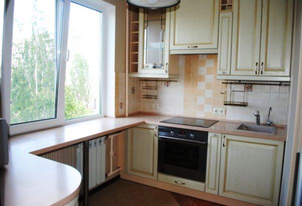3 Маленькие кухни 5 кв. м с подоконником