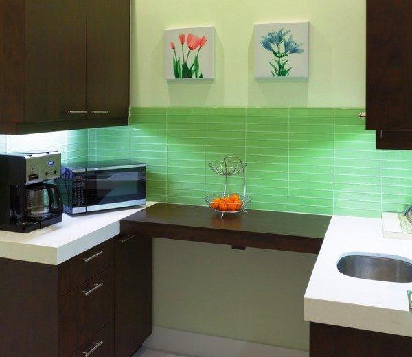 Для кухни площадью 5 м кв. мебель лучше делать по индивидуальному заказу