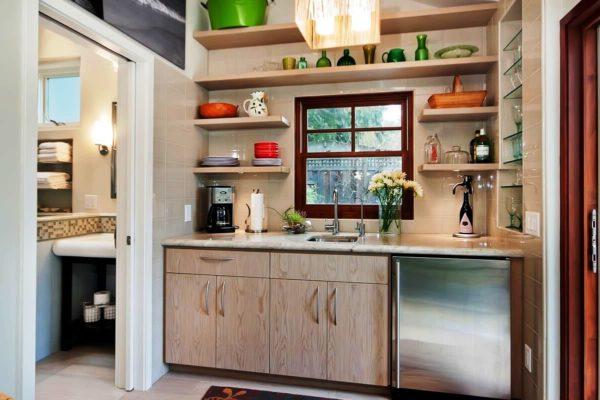 Фото современного дизайна маленькой кухни в деревенском стиле