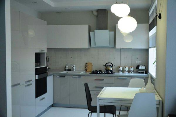 Фото дизайна малогабаритной кухни 7 м кв. в стиле минимализм