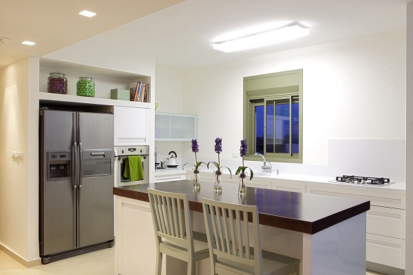 холодильник в кухне гостиной дизайн