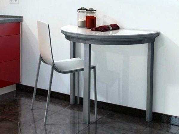 Полукруглый стол на маленькой кухне 3