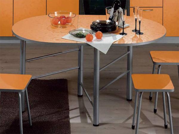 Круглая и овальная форма мебели, или любая другая конфигурация со скошенными углами, приветствуется учением фэн-шуй и высоко ценится его последователями