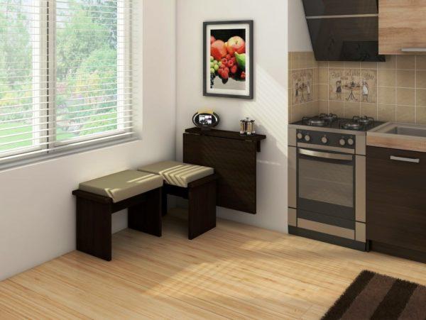 Маленькая кухня – это еще не приговор для хозяйки, если все продумать, можно сделать из нее уютное и вместительное помещение