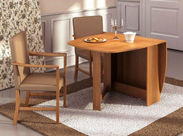 Стол книжка в интерьере маленькой кухни