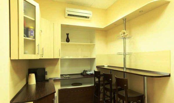 Стол барная стойка на маленькой кухне 3
