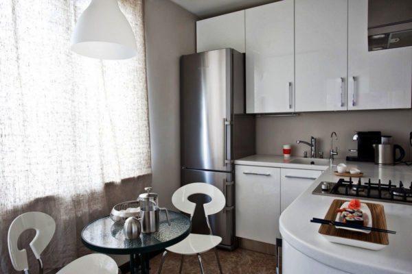 Главные требования, которым должна удовлетворять любая модель – быть удобной в пользовании и не создавать помех на кухне