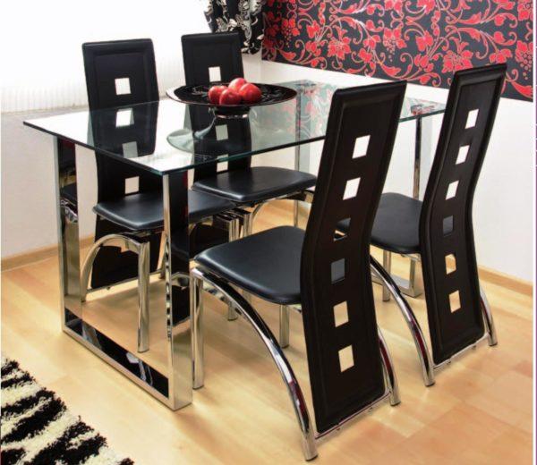Стулья предпочтительней приобретать на металлических каркасах с сиденьями, обитыми кожей или кожзамом