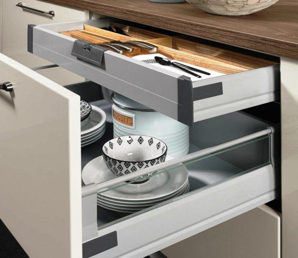 Выдвижная модульная мебель для маленькой кухни 5