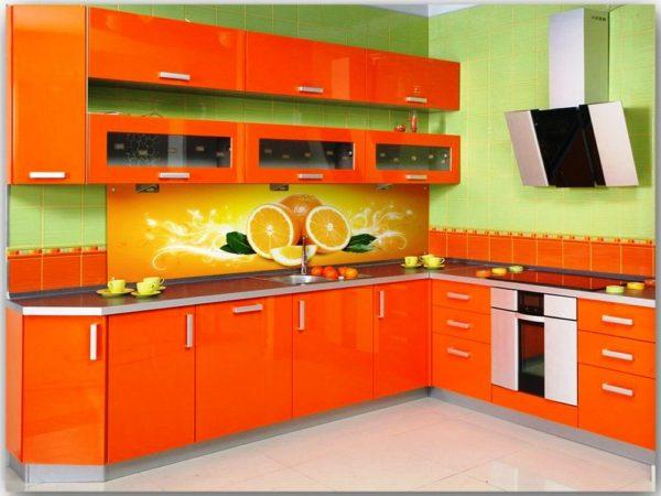 Профессиональный производитель кухонь дает гарантию на свою продукцию