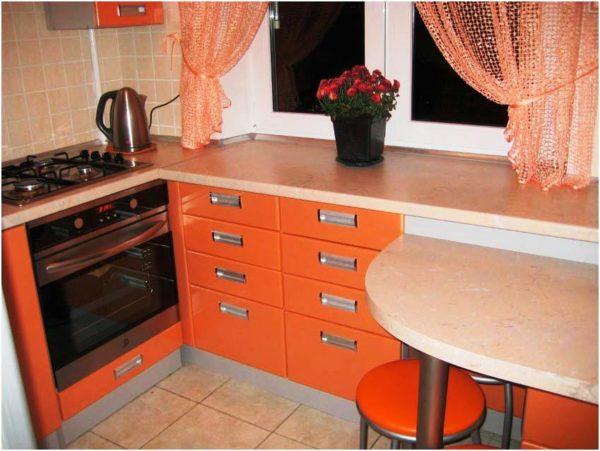 Подоконник -столешница на кухне в хрущевке 4