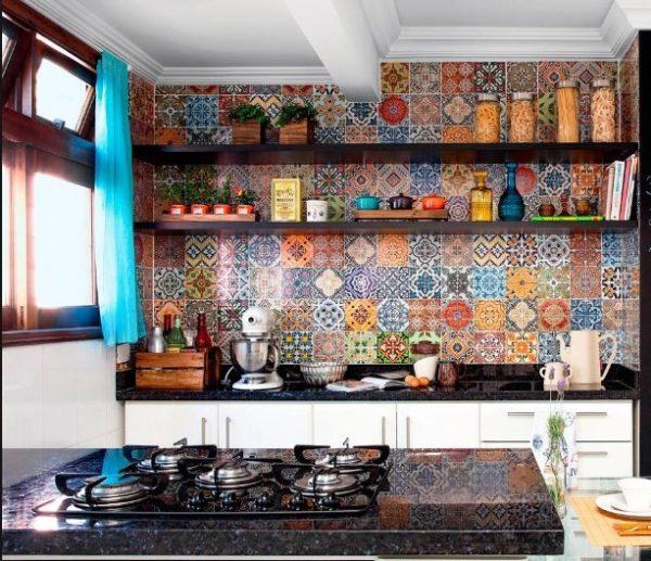 Мексиканский стиль — это красочная цветовая гамма, обилие света, палитра цветов местной флоры, яркие элементы декора и аксессуары и национальный колорит в каждой детали