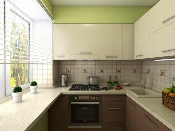 Кухонный фартук рабочей зоны можно выложить керамической плиткой