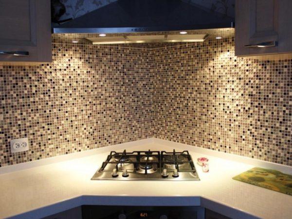 Отделка кухонного фартука керамической плиткой