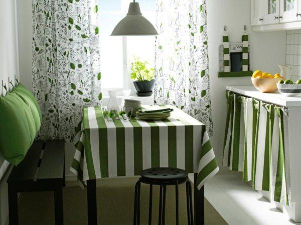Прованс придаст вашей кухне уюта и тепла, так как он смотрится органично