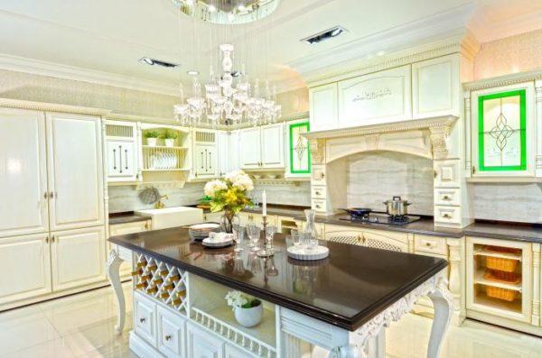 Дизайны белой кухни в разных стилях