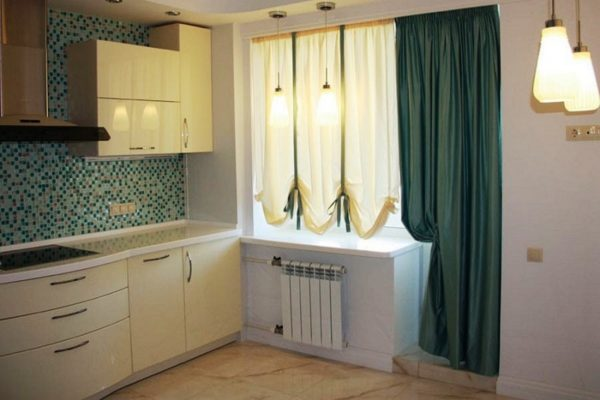 Шторы на кухню с балконной дверью 1