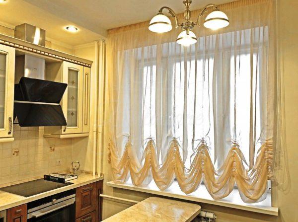 Австрийские шторы хорошо вписываются в классический или французский интерьер