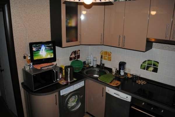 стиральную машину в маленькой кухне: фото примеры