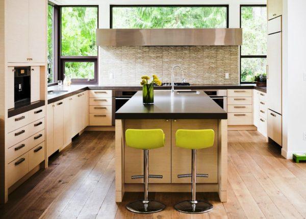 Дизайн кухни с барной стойкой П-образной планировки