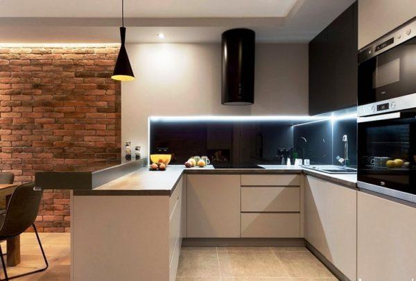 Кухня студия с барной стойкой 1