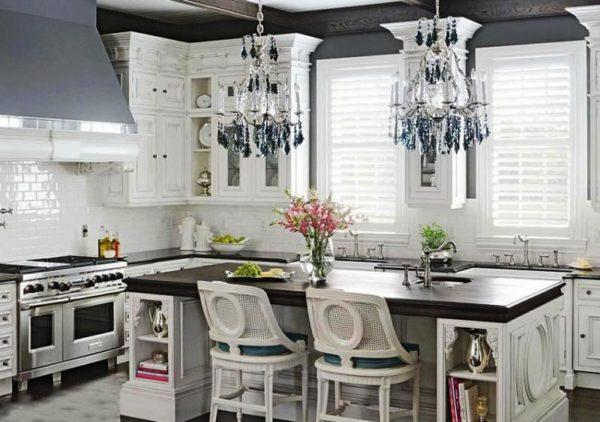 """Дизайн кухни со стойкой """"остров"""" в стиле прованс"""