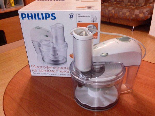 Небольшой кухонный комбайн philips HR 760