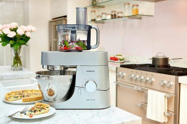 Как выбрать кухонный комбайн с металлической чашкой