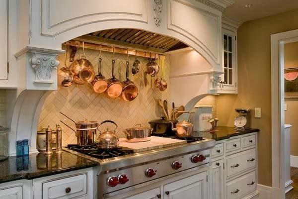 Некоторые кухни выглядят как рыцари в доспехах...
