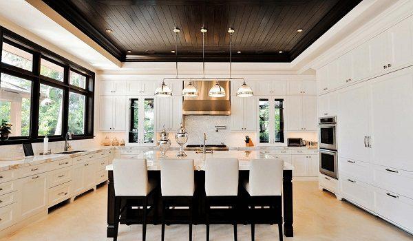 кухня чёрно-белая освещение