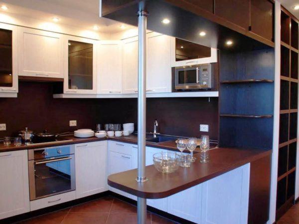 Стойка подходит для небольших кухонь, она позволяет сэкономить пространство