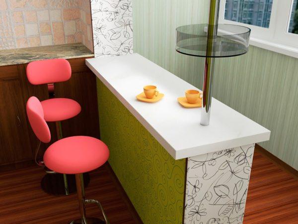 Барная стойка, объединяющая кухонное пространство с балконом