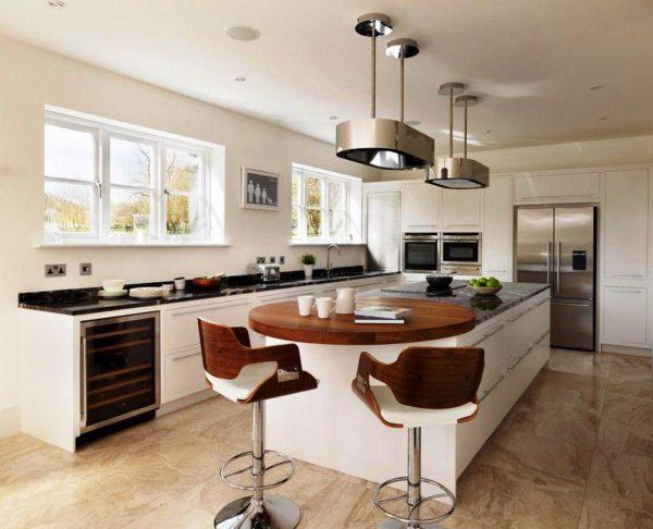 Для кухонь и гостиных с большой площадью лучше всего подойдет барная стойка круглой формы