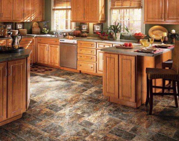 Дизайн интерьера кухни с напольным покрытием из линолеума