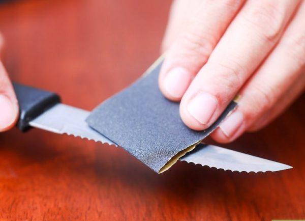 Наждачная бумага подходит для ножей с серейторной заточкой