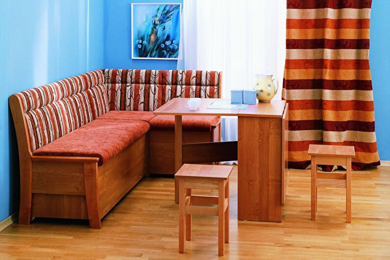 Скамья, прямой или угловой диван для кухни, имеющие ящики для хранения – оптимальный вариант для маленьких кухонь