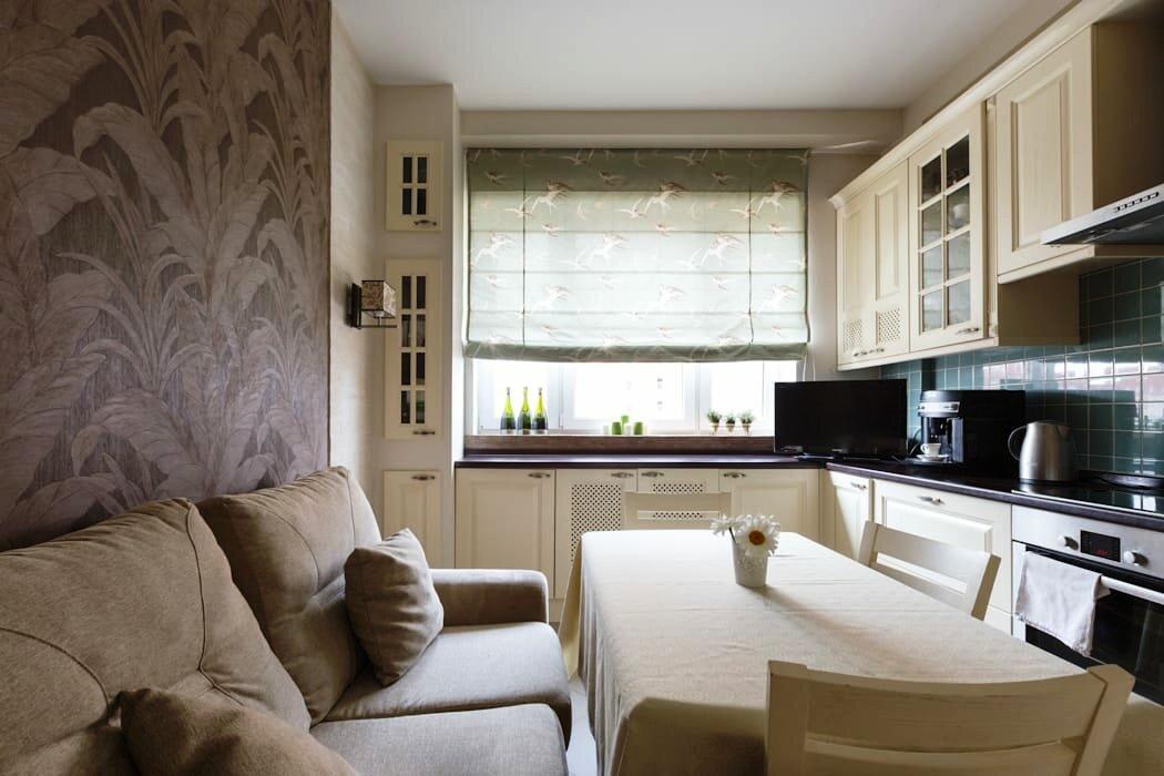 Диваны в интерьере кухни - это и дополнительное спальное место, оно выручит, если гость останется на ночь