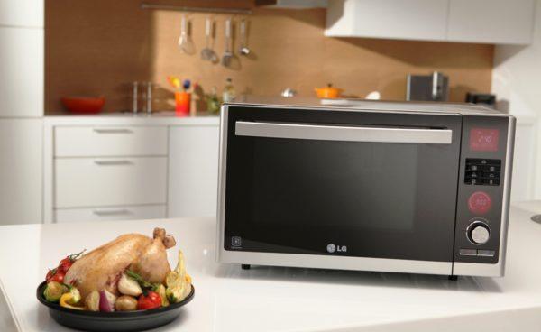 Оптимальным вариантом для семьи из 3-4 человек считается 30-35 литровая печь