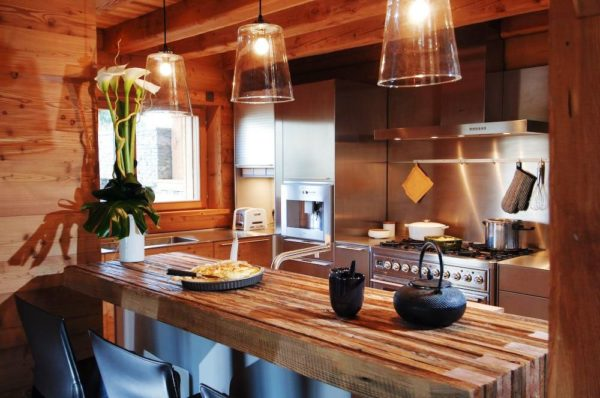 Кухни в стиле шале отдают теплом и уютом, здесь идеально отдыхать