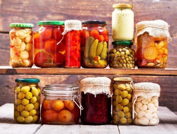 Одним из видов консервированных продуктов являются домашние консервы